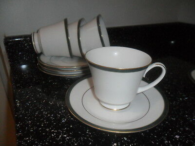 Boots Hanover Green Cups And Saucers X 4