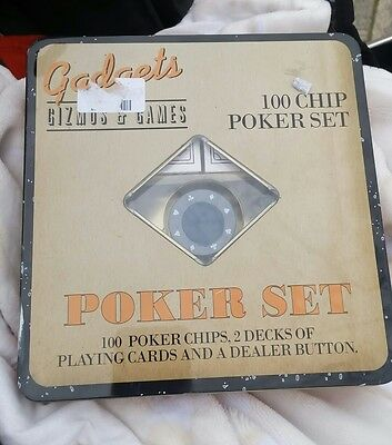 ✨ POKER SET 100 CHIPS & 2 DECKS OF PLAYING CARDS & DEALER BUTTON Xmas gift