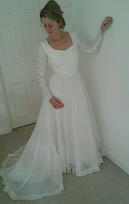 Vintage classic pearl and lace wedding dress size 8
