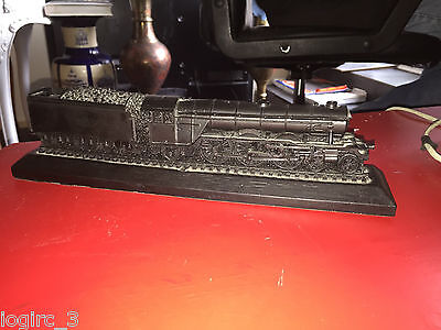 Lner Flying Scotsman 4472 Model Steam Train On A Wooden Stand