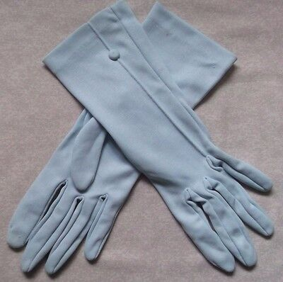 WOMENS SHORT GLOVES VINTAGE 1960s 1970s PALEST BLUE SIZE MEDIUM 7 ENGLAND MADE