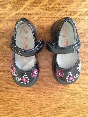 Infant Girl Black Patent Shoes Size 4.5