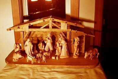 ANTIQUE HAND CARVED NATIVITY SCENE, JESUS, holy family Christmas scene