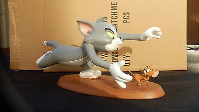 """Cool Tom and Jerry Catch me if you can Polyresin Figur 9"""" 25cm"""