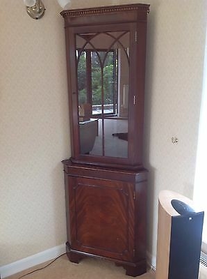 Antique Style Corner Cabinet In Mahogany With Glass Door And Spotlight