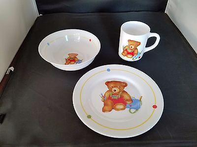 Arcopal France Glassware Child's Mug, Bowl and Plate Bear Painter