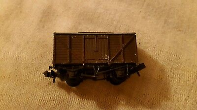 A model railway box wagon in N gauge by peco boxed
