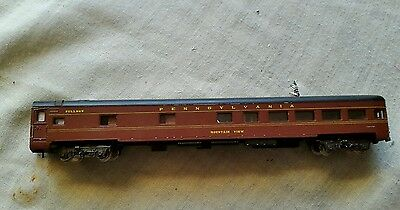 A model railway corridor type coach in N gauge by atlas unboxed