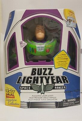 Toy Story Signature Collection Buzz Lightyear Space Ranger