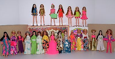 Vintage Topper Dawn & Her Friends Doll Lot - 23 Dolls, 2 Cases & Shoes! Lot #5