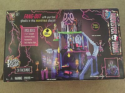 Monster High Freeky Fusion Castle Play House New In Box Rrp 199.00