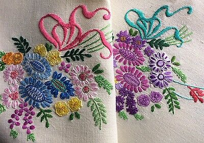 Exquiste Vintage Linen Hand Embroidered Tablecloth ~ Beautiful Raised Florals.