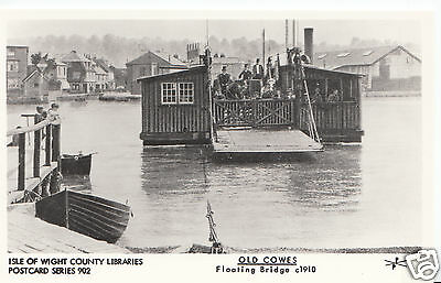 Isle of Wight Postcard - Old Cowes - Floating Bridge c1910      A5662