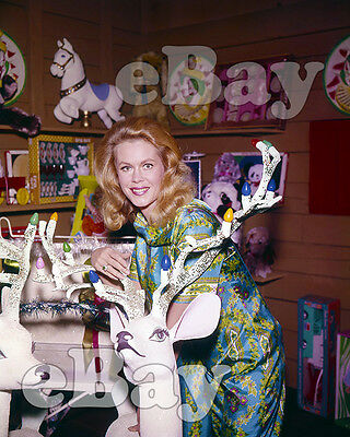 Rare! BEWITCHED CHRISTMAS 8 X 10 Color TV Photo #1 SAMANTHA & REINDEER