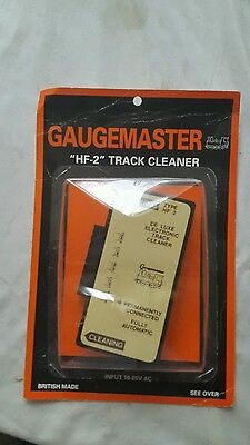 A model railway de luxe electronic track cleaner by gaugemaster for N / ho / oo