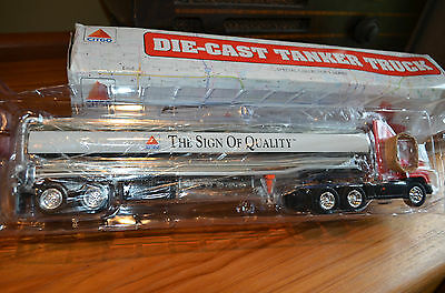 New In box: 1998 Citgo Die-Cast Tanker Truck Toy collectable