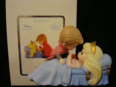 yi Precious Moments-Sleeping Beauty/Prince Charming-Disney Showcase Collection