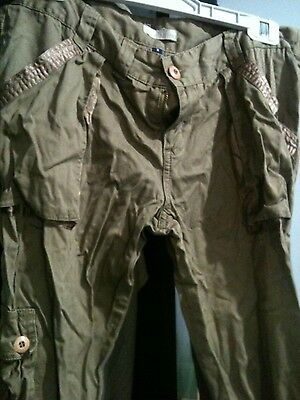 Womens Cargo pants 3/4 length size 8