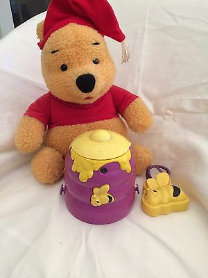 Lullaby Light Show Winnie The Pooh With Remote Control