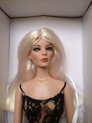 Robert Tonner Doll Marley Wentworth Deluxe Basic