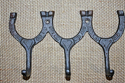 (10), WESTERN WALL HOOK,HORSE SHOES,ranch decor,horses,equestrian,RAW METAL,W-31