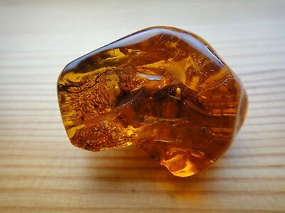 GENUINE BALTIC AMBER BROOCH FROM LATVIA NATURAL HONEY COLOR 9 grams