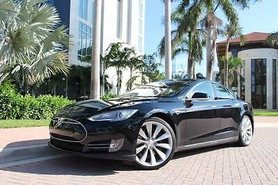 2013 Tesla Model S  2013 Tesla Model S Performance,Tech PKG,Pano Roof,Studio Sound,20KW dual charge
