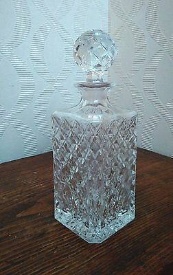 VTG Square based decanter with round stopper in diamond pattern pressed glass