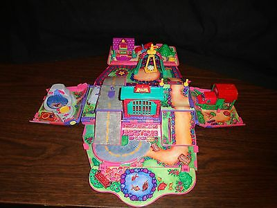 Pound Puppy Fold Out Pink Van Play Set