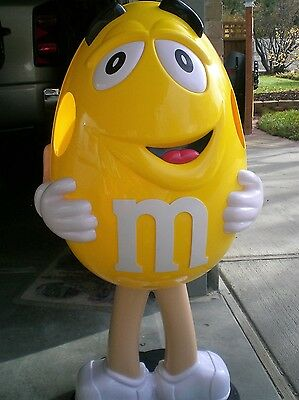 YELLOW M&M'S STORE CANDY DISPLAY ON WHEELS Floor Display