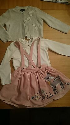 marks and Spencer girls outfit 3-4 years.  Immaculate condition!