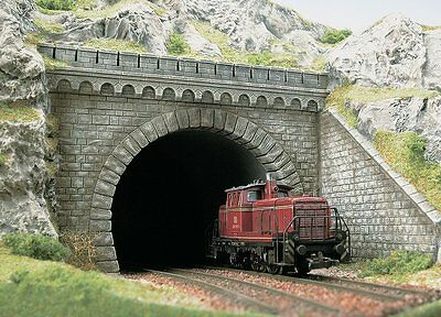 PREMIUM DUAL TRACK TUNNEL PORTAL WITH WINGS - HO SCALE by BUSCH #7023