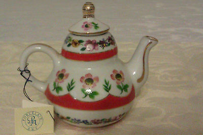 Collectable Porcelain Art Miniature Teapot With Tag - Floral