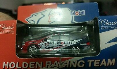1:64 Craig Lowndes HRT Holden VT Commodore #1 Classic Carlectables 64005