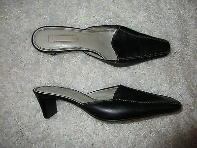 Unisa Black Leather Uppers Size 7B Mules Slides Heels Shoes