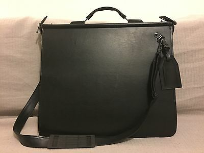 Daler Rowney A2 Portfolio Leather Style Black, With 24 HD Sleeves Inside