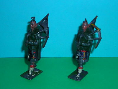 BRITAINS HIGHLANDERS, HIGHLAND PIPERS, LEAD TOY SOLDIERS x2