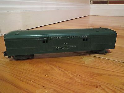 Vintage Gilbert American Flyer Green 951 Railway Express Agency Car