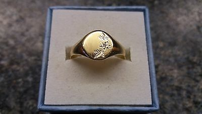 9CT Yellow Gold Vintage Signet Ring Set With Diamond Size S