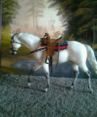 Western saddle and bridle suit breyer/peter stone traditional horse