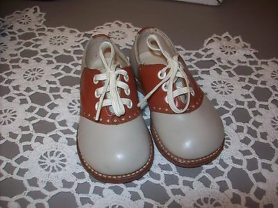 Vintage Gray & Brown Childs Saddle Shoes Childcraft Size 3 1/2
