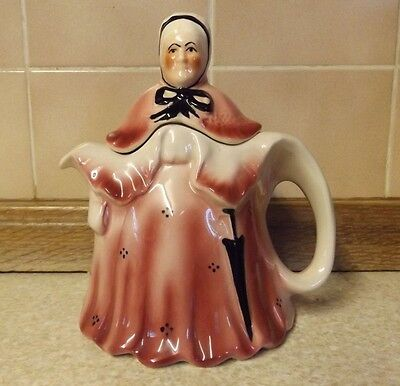 Tony Wood Teapot - Little Old Lady - Staffordshire