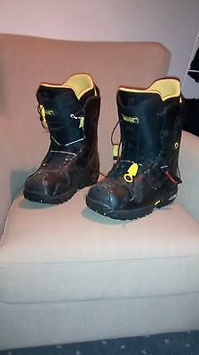 Used Mens Burton Snowboard Boots - Size 9