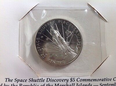 1988 LAUNCH OF THE SPACE SHUTTLE DISCOVERY - $5 Marshall Island Silver Coin