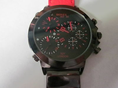 Ny London ' Series Go 30 ' 3 Time Zone Men's Wristwatch. Large 5 Cm. Face.