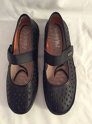 NEW Ladies Black Leather Just Bee Comfort Mary Jane Style Shoes size 39 Velcro