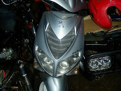 Peugeot Speedfight 2 100 FRONT FAIRING PANEL AND HEADLIGHT COMPLETE