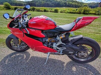 2013 Ducati Superbike  2013 Ducati 1199 S ABS - only 200 miles!