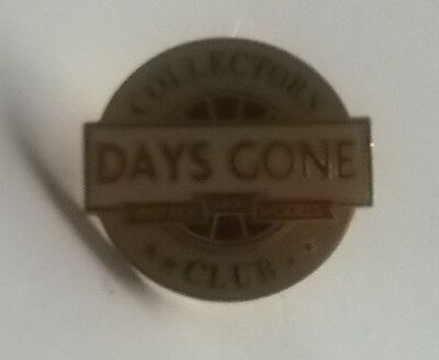 Days Gone Vintage Lledo Models Collectors Club - Enamel Badge