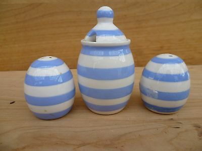 Vintage Old Blue And White Salt And Pepper Shakers Set (A762)